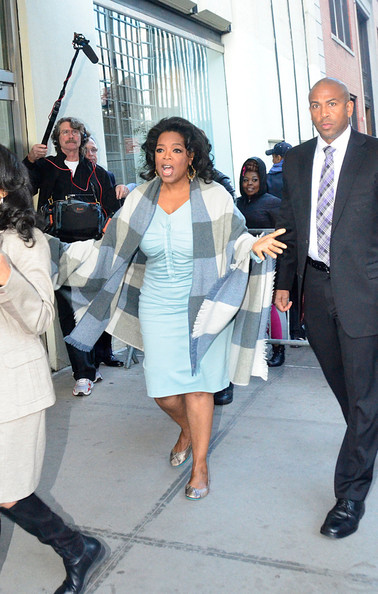 More Pics of Oprah Winfrey Shawl (1 of 8) - Oprah Winfrey Lookbook - StyleBistro