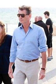 Pierce Brosnan looked suave in these classic aviators.