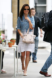 Pippa Middleton toted a pristine leather handbag as she walked around Chelsea.