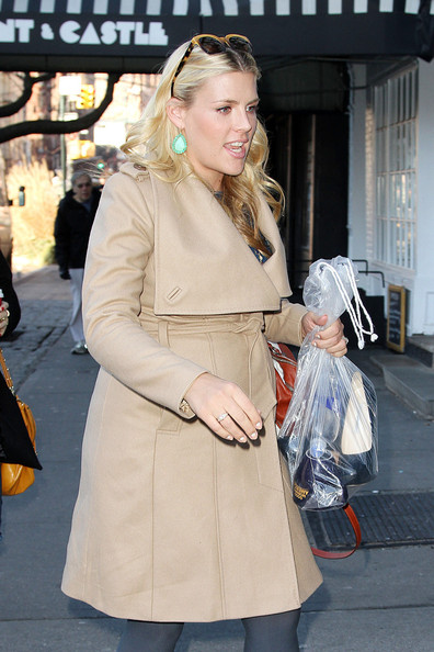 More Pics of Busy Philipps Wool Coat (2 of 13) - Wool Coat Lookbook - StyleBistro