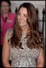 Kate wore her hair down in her signature maple waves at the Tusk Trust Awards, giving us some serious hair envy.