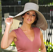 Danielle Bux braved the hot sun in a wide brimmed hat at the Royal Ascot.