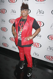 Missy Elliott kept her look totally rockin' with a red leather vest and matching pants.