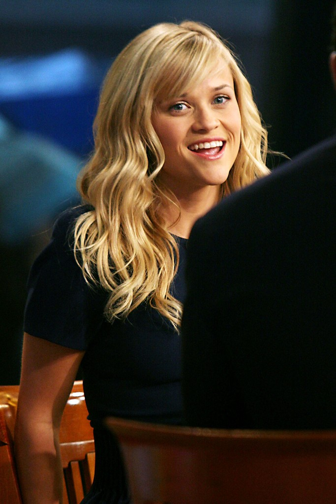 Reese Witherspoon Long Wavy Cut With Bangs Reese
