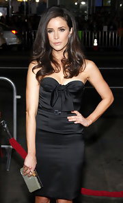 Abigail Spencer donned a black strapless dress for the 'This Means War' premiere.