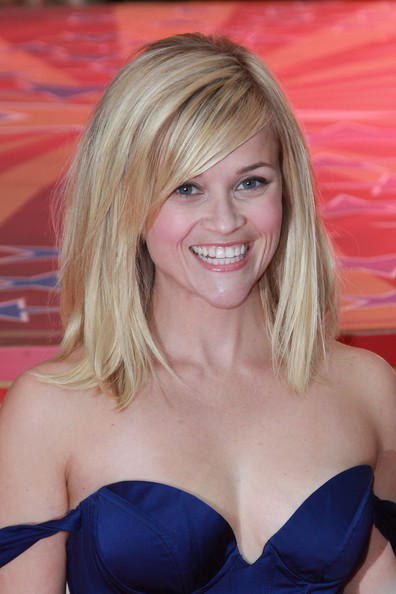 More Pics of Reese Witherspoon Medium Straight Cut (1 of 9) - Shoulder Length Hairstyles Lookbook - StyleBistro []