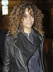 Rihanna wore her lovely hair in bouncy curls while out for an evening in Milan, Italy.