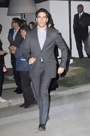 Eli Roth looked dashing in a well-tailored gray suit.