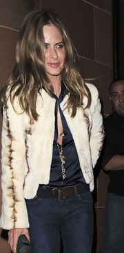 Trinny Woodall topped off her jeans and button-down combo with a stylish beige cropped jacket.