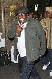 Cedric the Entertainer kept it casual with a gray denim jacket.