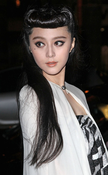 Fan Bingbing wore her hair in a cool retro reverse roll at the Louis Vuitton fall 2012 fashion show.