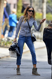 Sarah Jessica Parker's capri jeans were just the right height to show off the star's ankle booties.