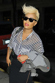 Cool black wayfarer's completed Emeli's fab look as she made her way to an appearance on 'Live! With Kelly' in NYC.