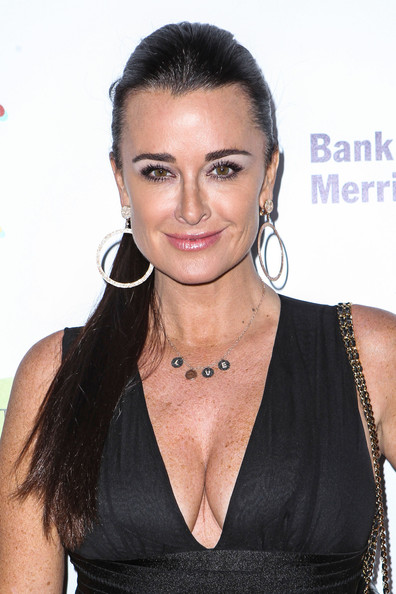 Kyle Richards pulled back her hair into a sleek ponytail at 'An Evening With a View' gala.