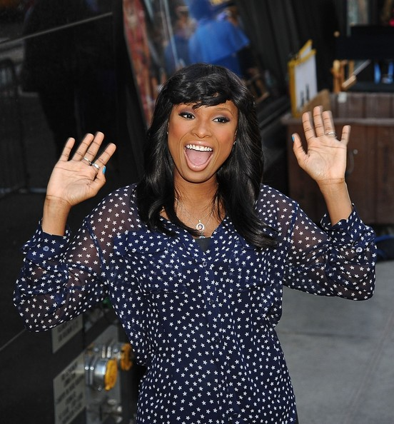 More Pics of Jennifer Hudson Button Down Shirt (1 of 18) - Jennifer Hudson Lookbook - StyleBistro
