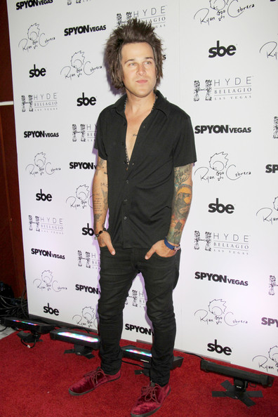 More Pics of Ryan Cabrera Button Down Shirt (1 of 12) - Ryan Cabrera Lookbook - StyleBistro