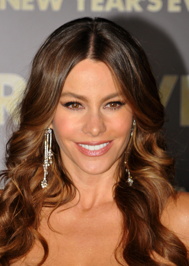 Sofia Vergara Makeup - Sofia Vergara Beauty - StyleBistro