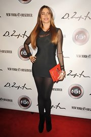 Sofia Vergara looked smoking in an '80s-inspired mesh LBD!