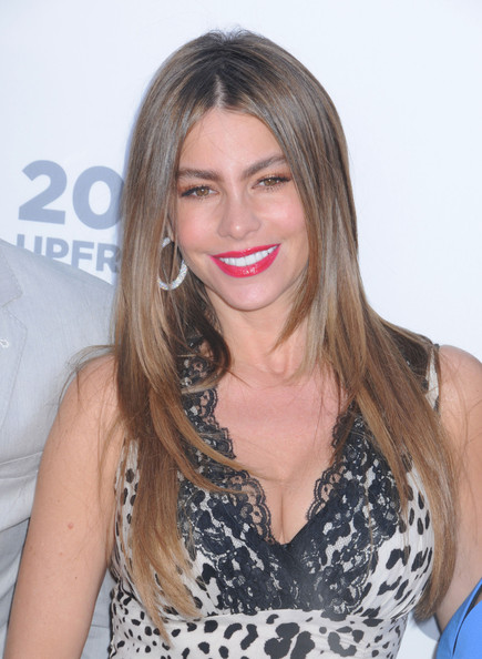 More Pics of Sofia Vergara Layered Cut (5 of 15) - Sofia Vergara Lookbook - StyleBistro