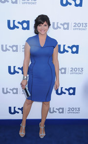 Tiffani Thiessen showed off her curves with this purple sheath dress.