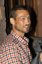Andy Whitfield looked cool and handsome with his buzzcut at the premiere of 'Middle Men.'