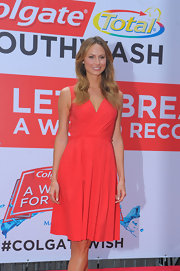 Stacy Keibler looked lovely in red in an A-line red frock.