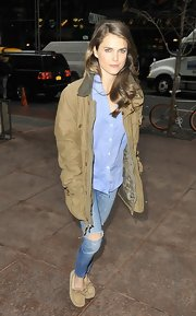 Keri Russell's nude suede loafers looked comfy for walking.