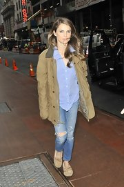 Keri Russell paired her ripped jeans with a slouchy jacket and moccasins for an effortless look.