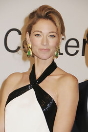 Elaine Irwin wore a pair of 18-carat yellow gold and carved jade earrings at an evening with Ralph Lauren hosted by Oprah Winfrey.