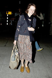 Jena Malone teamed her bohemian knit apparel with tan leather loafers.