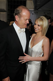 Kelsey Grammer looked oh-so-polished in his black tux and white bowtie at the Tony Awards.