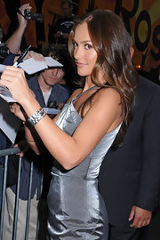 When she arrived at the 'Late Show With David Lettermen' show, Minka Kelly wore a sterling brick cuff.