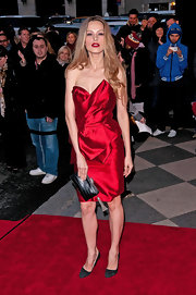Petra Nemcova wore a ravishing red strapless cocktail dress to the Marchesa fashion show.