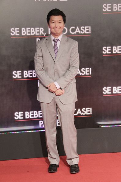 Ken Jeong chose a classic red carpet look when he wore this tan suit.