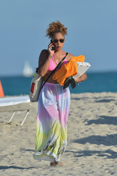 A day at the beach doesn't have to lack style as Amanda Seales demonstrated in a tie dye skirt.