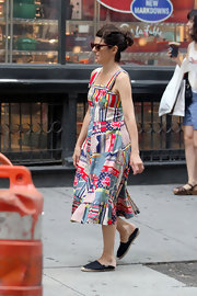 Marisa Tomei strolled through SoHo in a playful cotton print dress paired with black canvas Dali espadrilles.