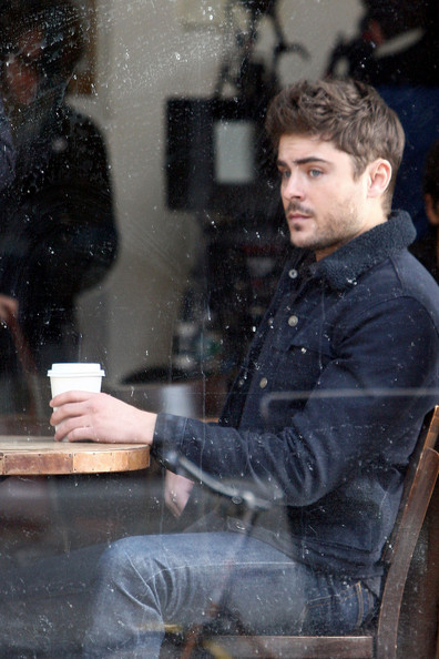 Zac Efron Films 'Are We Officially Dating?'