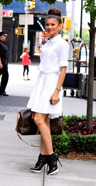 More Pics of Zendaya Coleman Shirtdress (1 of 7) - Zendaya Coleman Lookbook - StyleBistro