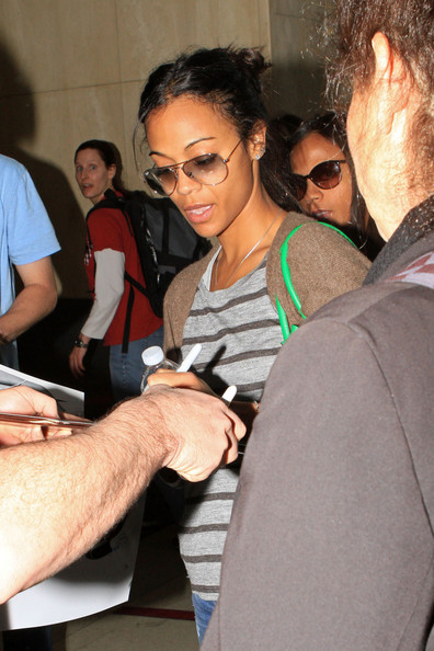 More Pics of Zoe Saldana Knit Top (2 of 11) - Zoe Saldana Lookbook - StyleBistro