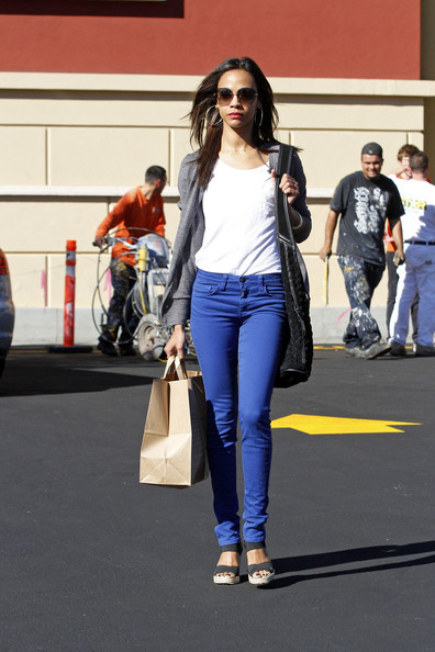 More Pics of Zoe Saldana Knit Hobo Bag (1 of 16) - Knit Hobo Bag Lookbook - StyleBistro
