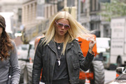 A bare-faced Gwyneth Paltrow channels her inner rock chick as she arrives on the