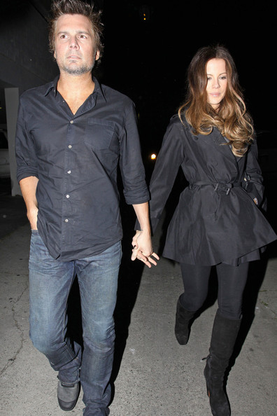 Len's black button-down shirt was perfect for a casual date night with wife Kate.