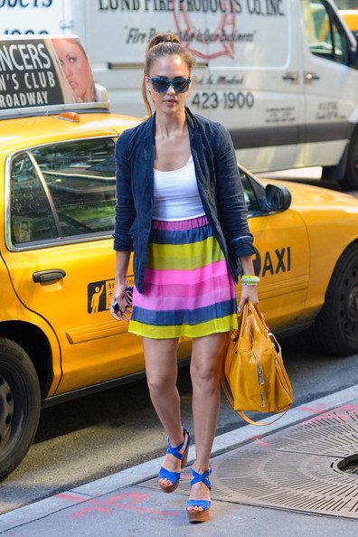Jessica Alba is Colorful in NYC
