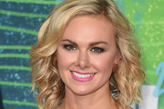 Laura Bell Bundy Medium Wavy Cut