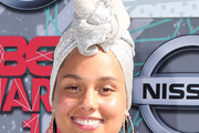 Alicia Keys Dress Hats