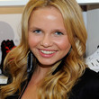 Alli Simpson Long Wavy Cut