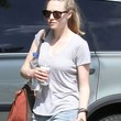 Amanda Seyfried Clothes - T-Shirt