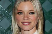 Amy Smart Mid-Length Bob