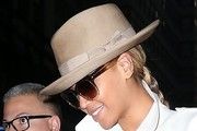 Beyonce Knowles Dress Hats