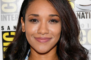 Candice Patton Shoulder Length Hairstyles